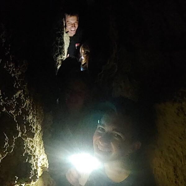 В печері Льодовій